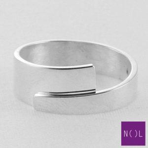 AG00172.8 NOL Zilveren ring