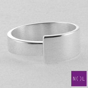 AG01125.8 NOL Zilveren ring