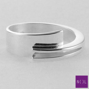 AG01127.7 NOL Zilveren ring