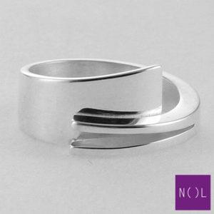 AG01127.9 NOL Zilveren ring