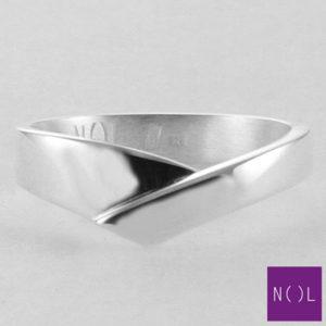 AG02127.6 NOL Zilveren ring