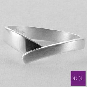 AG02129.4 NOL Zilveren ring
