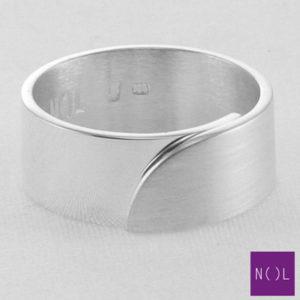 AG03110.8 NOL Zilveren ring