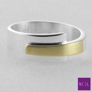 AG03178.8 NOL Zilveren ring