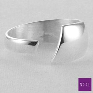 AG04105 NOL Zilveren ring