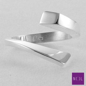 AG04107 NOL Zilveren ring