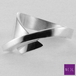AG04127.8 NOL Zilveren ring