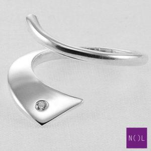 AG04149 NOL Zilveren ring met diamant