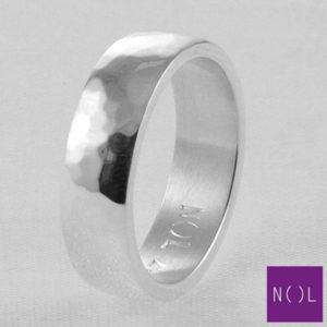 AG08177.6 NOL Zilveren ring