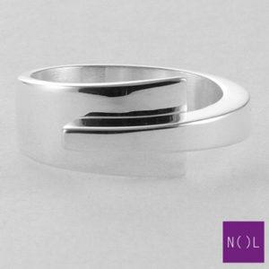 AG10127.9 NOL Zilveren ring