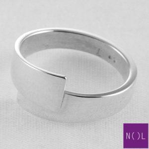 AG77109.7 NOL Zilveren ring