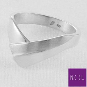 AG87113.7 NOL Zilveren ring