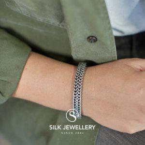 143 Silk armband