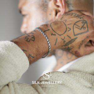 147 Silk armband