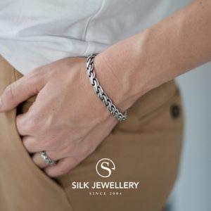 148 Silk armband