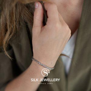149 Silk armband