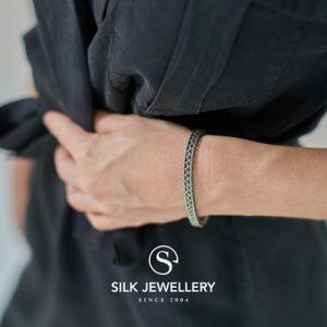 153 Silk armband