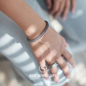 164 Silk armband