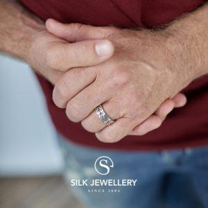 167 Silk ring