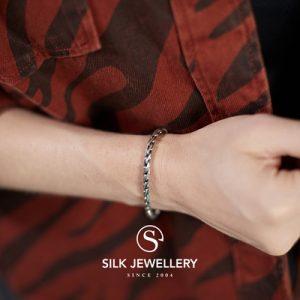 172 Silk armband