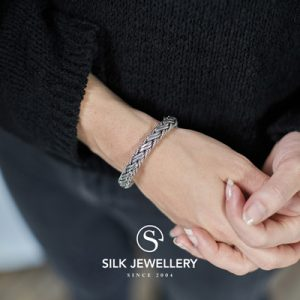176 Silk armband