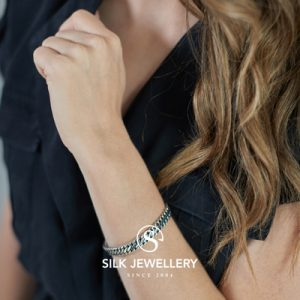 195 Silk armband