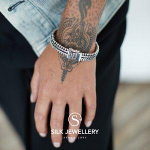 203 Silk armband