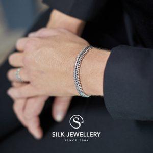 235 Silk armband