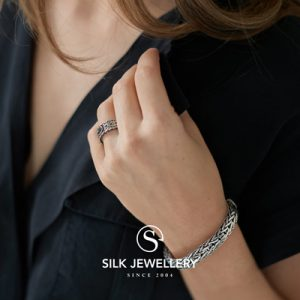 237 Silk armband