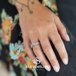 242 Silk ring
