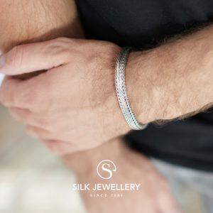 324 Silk armband