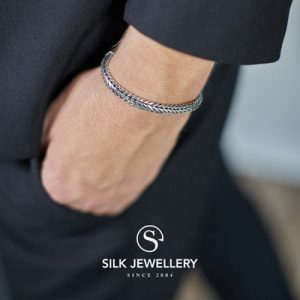 345 Silk armband