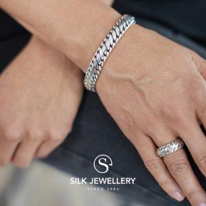 371 Silk armband