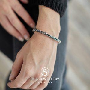 372 Silk armband