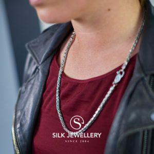 378 Silk collier