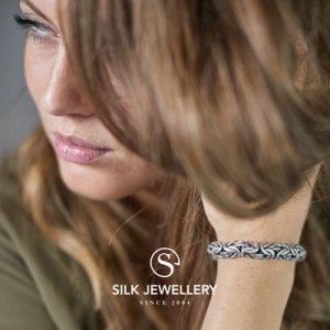 386 Silk armband