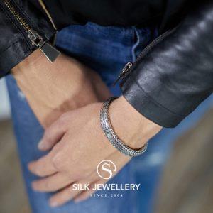 390 Silk armband