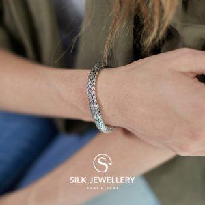 422 Silk armband