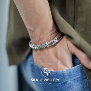 424 Silk armband