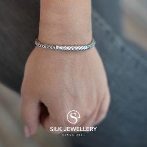 428 Silk armband