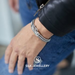 731 Silk armband