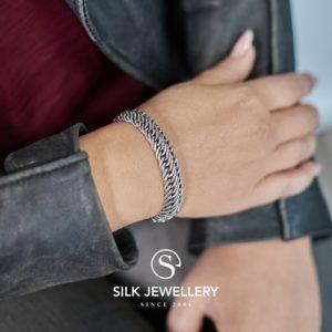734 Silk armband